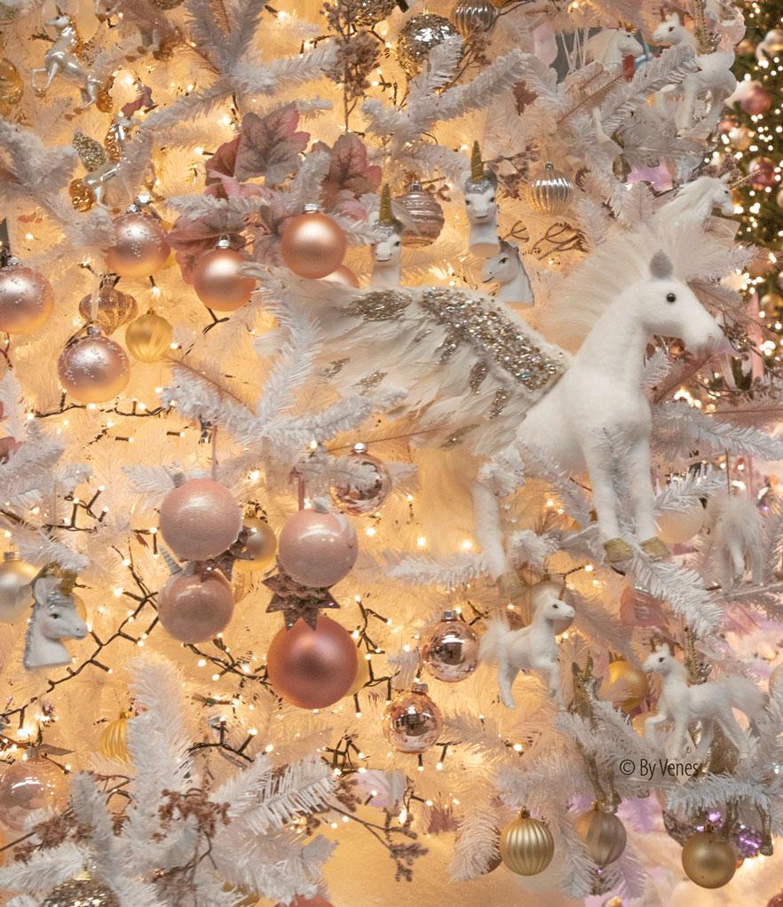 Unicorn kerstboom Unicorn kerstbal eenhoorn kerstversiering decoratie. Kersttrend 2019