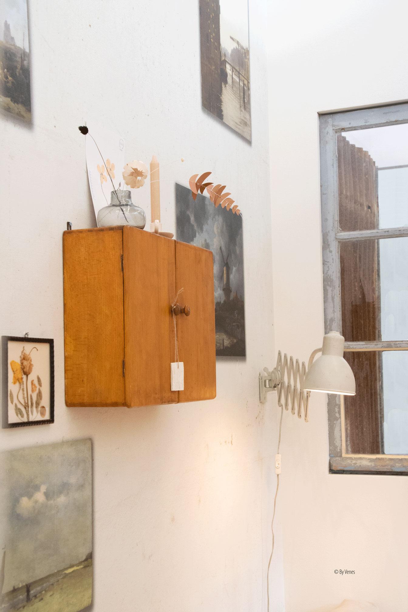 Wandkastje wandlamp Jolandelijk Ariadne at Home 2019
