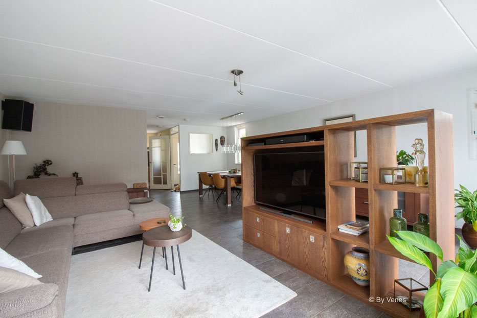TV Kast op maat. woonkamer maatwerk meubels